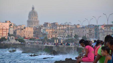 El Malecón, imprescindible para visitar en La Habana